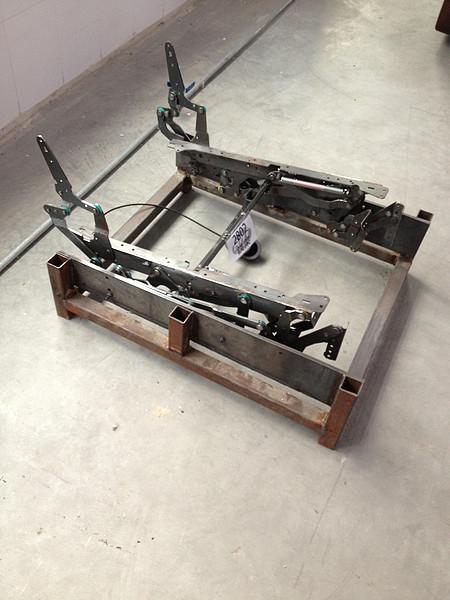 2802 Iron Frame Leisure Chair