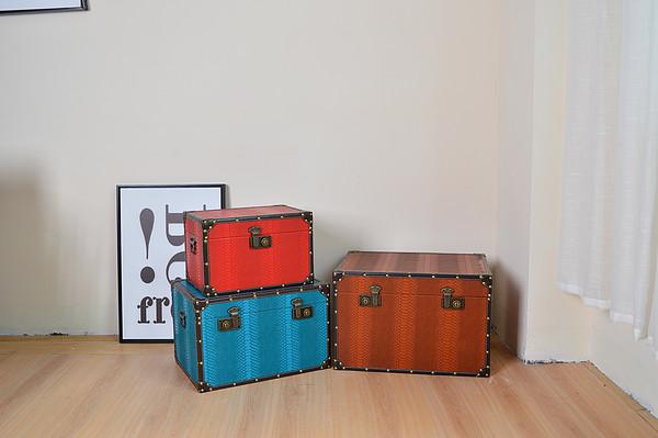 Three-color storage box