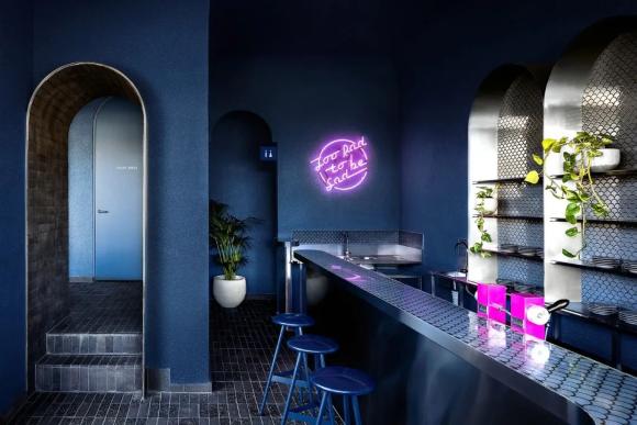 打造复古时尚的餐厅设计,材质很重要