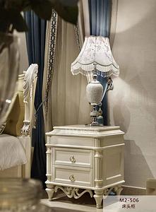 白色雕花復古古典床頭柜