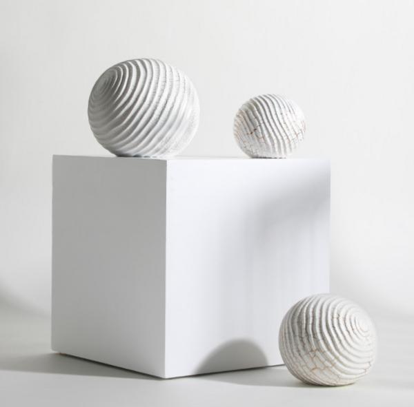 现代极简家居装饰创意螺纹小球摆件 不规则裂纹球形软装桌面摆件